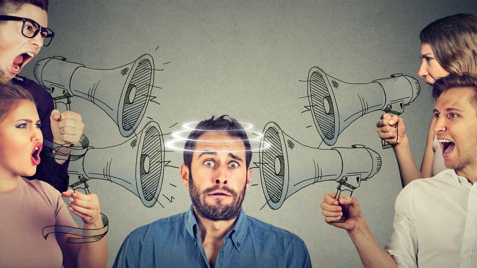Facebook gerçeklik kontrol ediciler ile yolunu ayırıyor