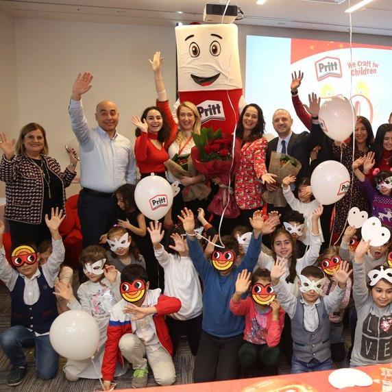 Pritt 50'nci yılını TOÇEV'li çocuklarla kutladı