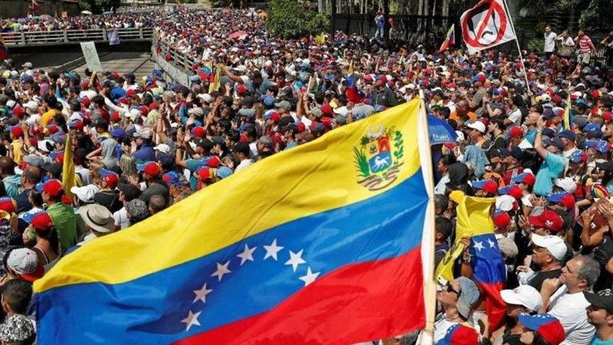 Son dakika: Venezuela sınırlarını kapatıyor