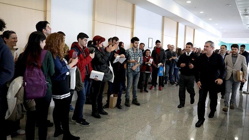 Yılmaz Özdil'e Ankara'da yoğun ilgi