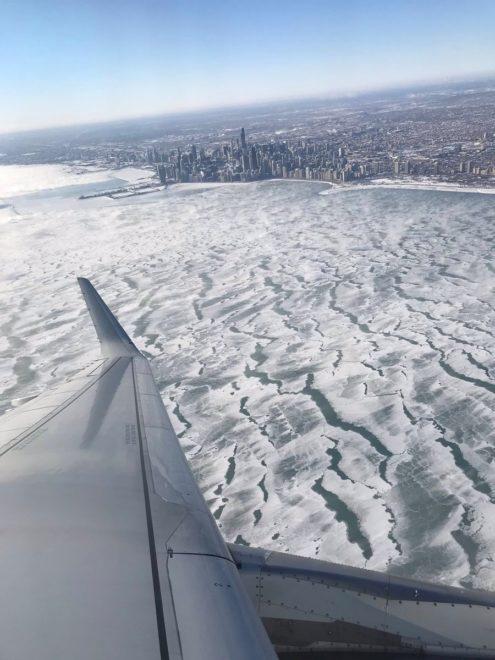 Chicago'da Michigan Gölü buz tuttu.