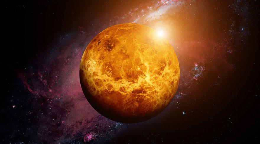 4 Şubat itibari ile ilişkileri, aşkı, değeri, sevgiyi sembolize eden Venüs Yay burcundan çıkıp Oğlak burcuna geçiş yapacak ve bu burçta 2 Mart'a kadar seyahat edecek. Bu hem ilişki kalitesi hem sevgi ve değer duygusuna ilişkin konularda hayatımızda daha çok Oğlak sembolizminin çalışacağına işarettir.