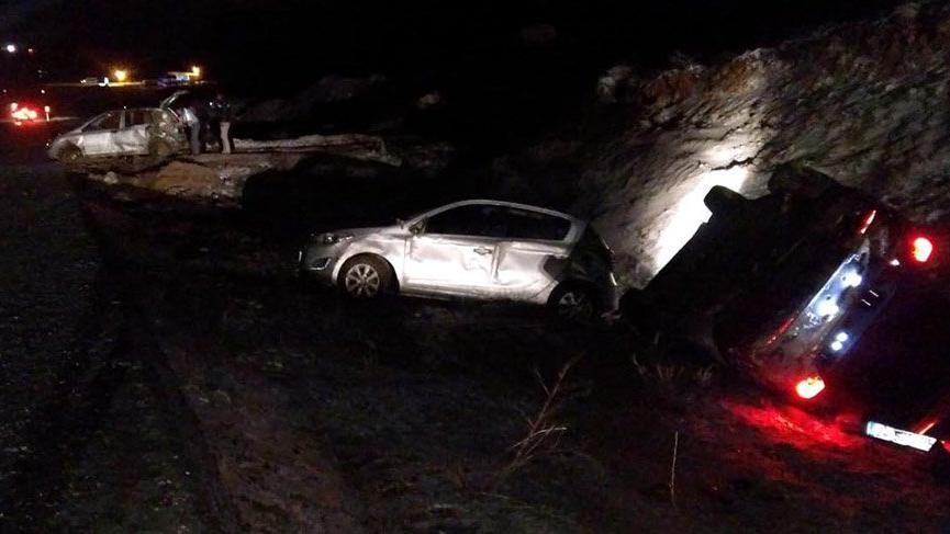 Kayseri'de zincirleme trafik kazası: 13 yaralı