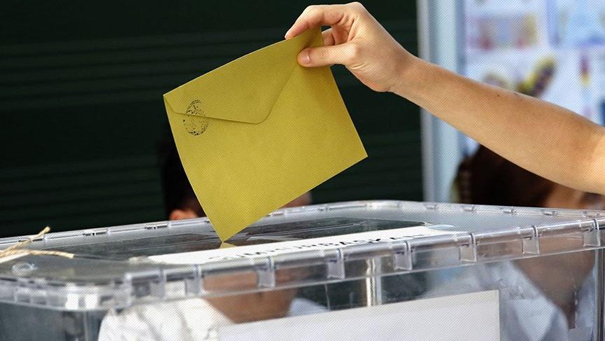 Oy verme işlemi saat kaçta başlıyor, saat kaçta bitiyor?