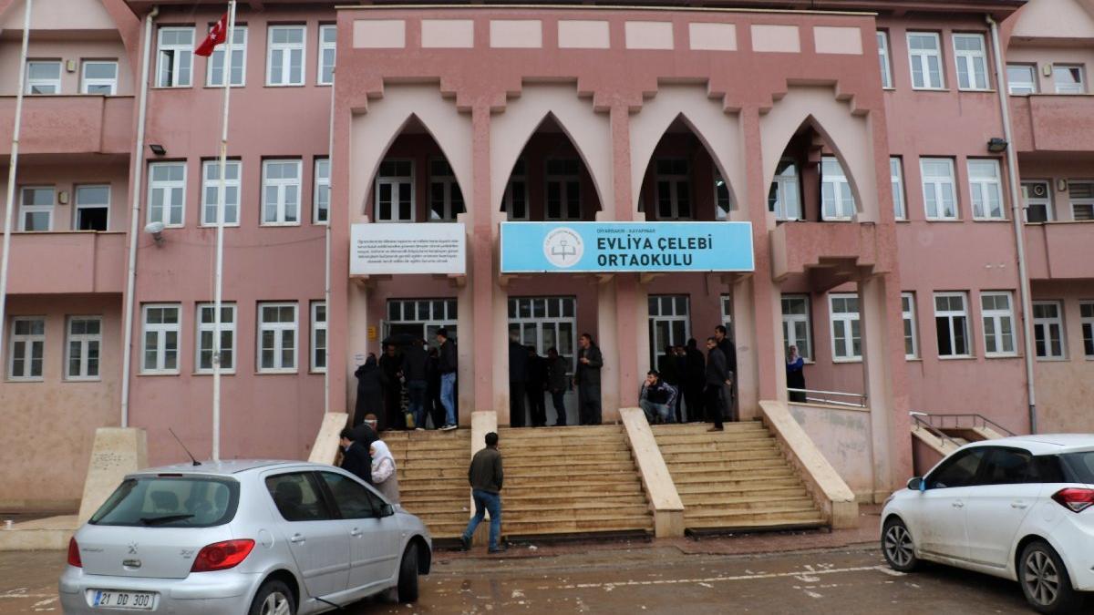 Son dakika: Diyarbakır'da muhtarlar arasında kavga