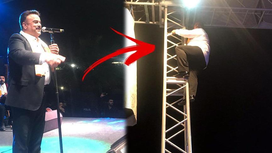 Bülent Serttaş sahne direğine tırmandı!