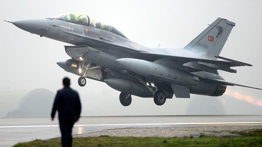 Havacı askerlere FETÖ gözaltısı: Yüzbaşı, teğmen ve astsubaylar var