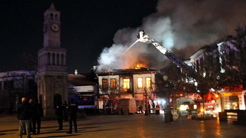 Son Dakika... Ankara'da tarihi Hamamönü'nde yangın