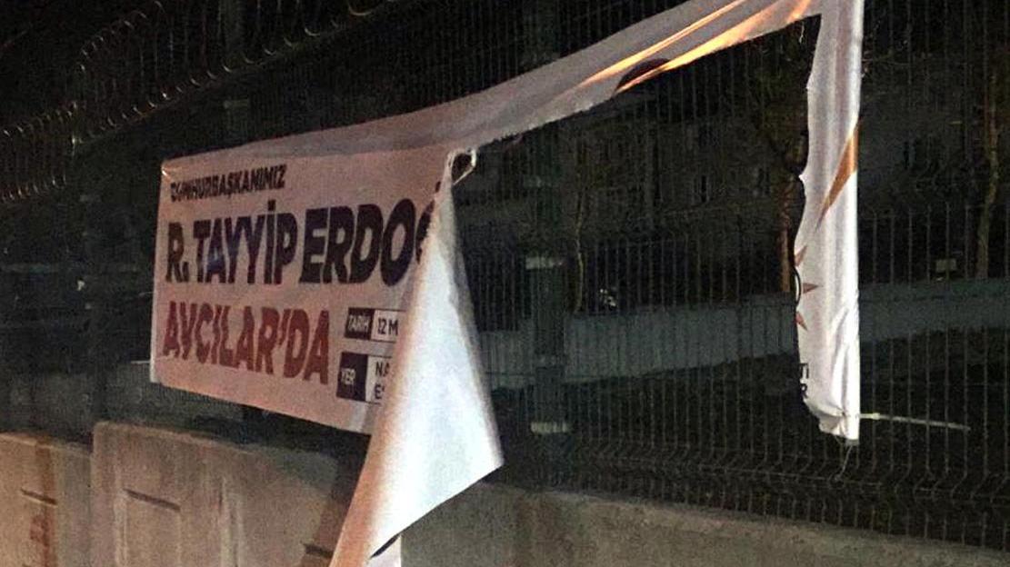 Erdoğan'ın afişini kesen operasyonla yakalandı! CHP afişini kesen ise... | Son dakika