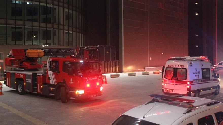 Son Dakika... Bakırköy Adliyesi'nde yangın paniği