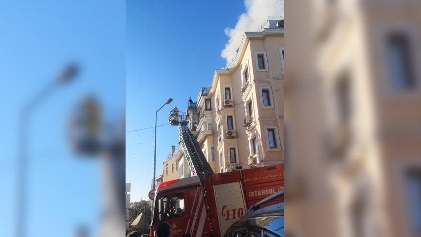 Son Dakika... Fatih'te otel yangını