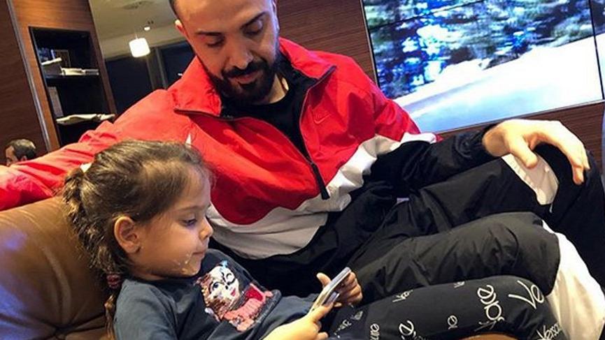 Demet Akalın: Baba sevgisi nasıl bir şey bilmiyorum