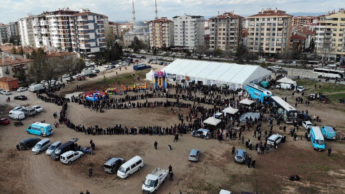 AKP'nin kaçak seçim çadırı kaldırılacak