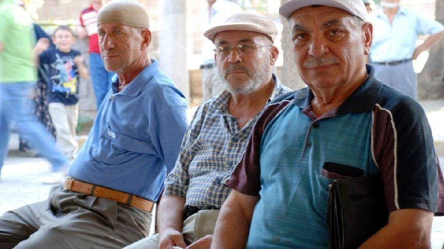 Emeklilikte yaşa takılanlar ile ilgili yeni açıklama geldi! İşte EYT'de son durum…