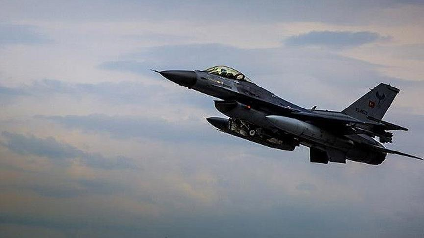 Yunan Başbakan Çipras'tan Türk jetleri tacizi iddiası