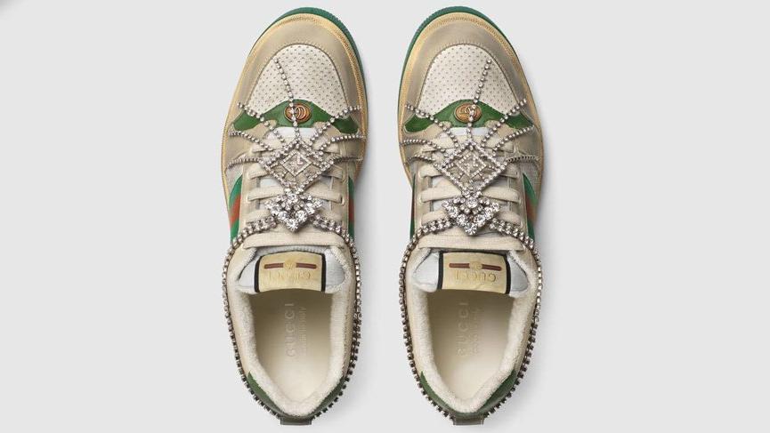 Gucci'nin yeni ayakkabısı adeta tüketici ile dalga geçiyor