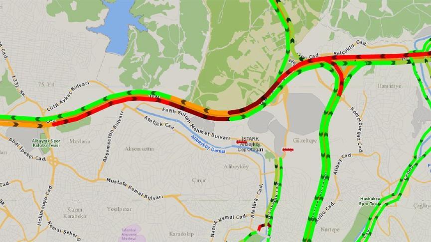TEM'de zincirleme kaza trafik kontrollü sağlanıyor