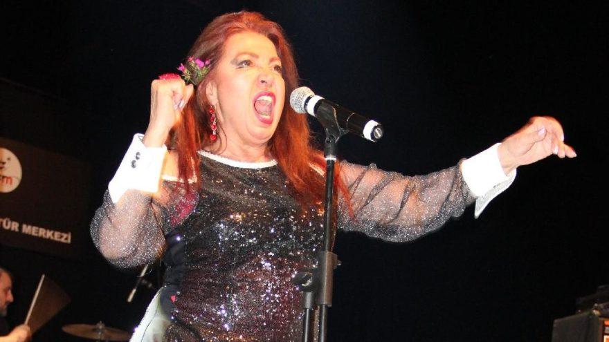 Seyyal Taner'in çılgın dansına mikrofon dayanmadı