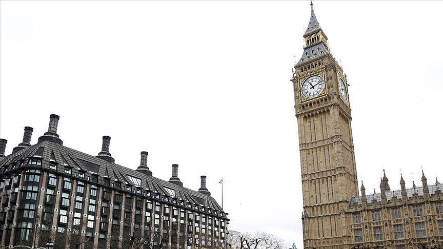 İngiltere'de istifa eden milletvekillerinden yeni parti adımı