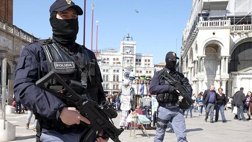 Ülkenin en büyük mafyası 'Cosa Nostra'ya operasyon