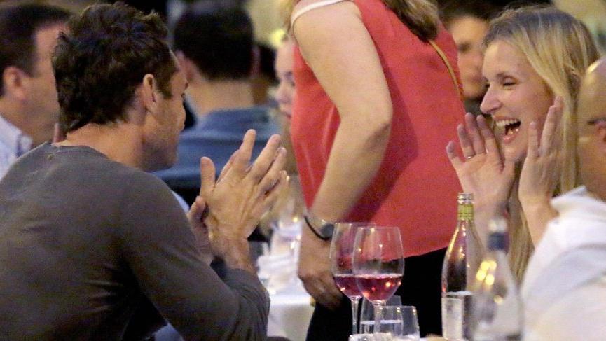 Jude Law ve Phillipa Coan nişanlandı