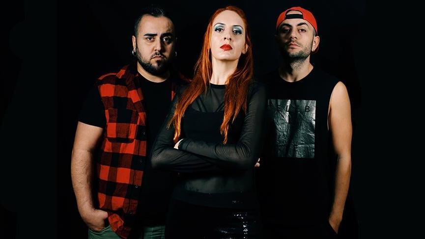 Antalyalı rock grubu Kafile'den 8 Mart'ta anlamlı klip