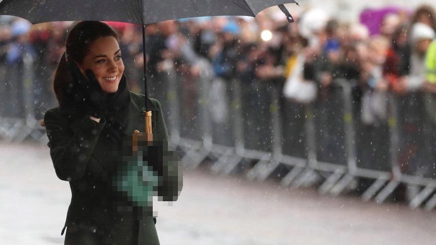 Kate Middleton'ın sık sık kullandığı çanta bir Türk markasına ait