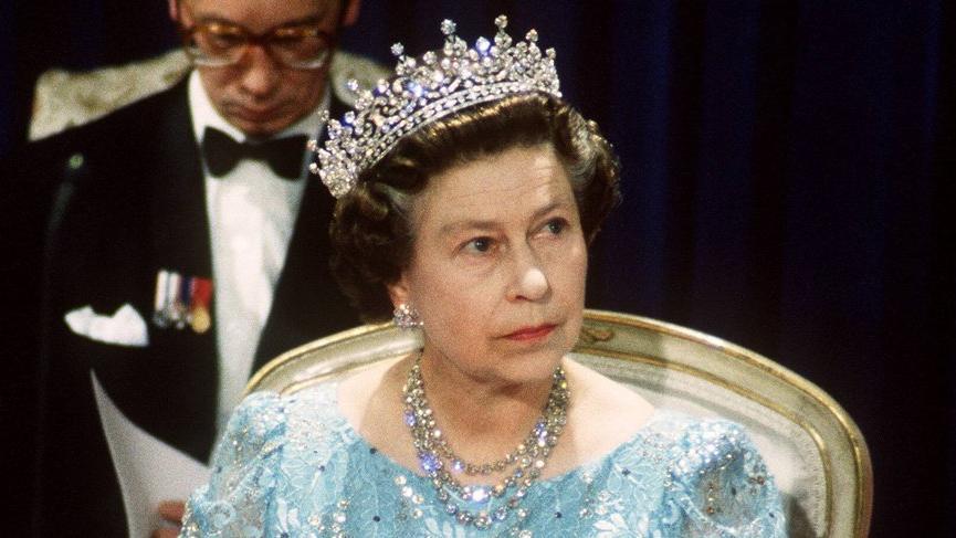Kraliçe ilk sosyal medya paylaşımını yaptı