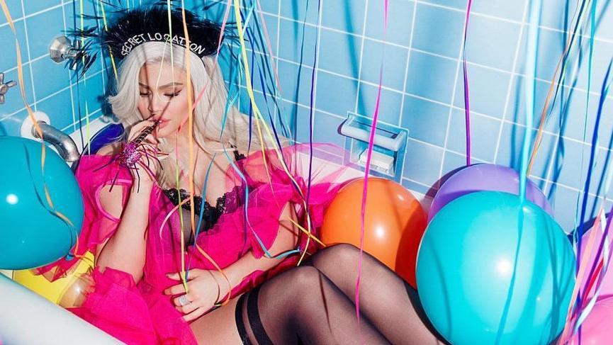 Kylie Jenner'ın en genç milyarder olmasının sebebi olarak ablasının seks kasedi öne sürüldü