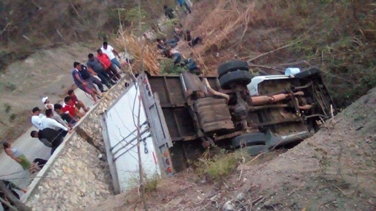 Ülkeyi yasa boğan kaza: 25 kişi can verdi