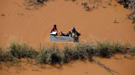 Mozambik'te kasırga sonrası 15 bin kişi kurtarılmayı bekliyor