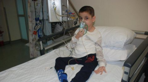 SMA hastası Turan Ege ilaç yardımı bekliyor
