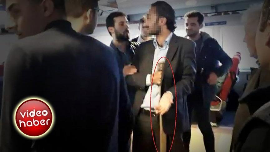 'Bu vapur İstanbul'a gidecek' diye bağıran baltalı kişiyi polis ikna etti