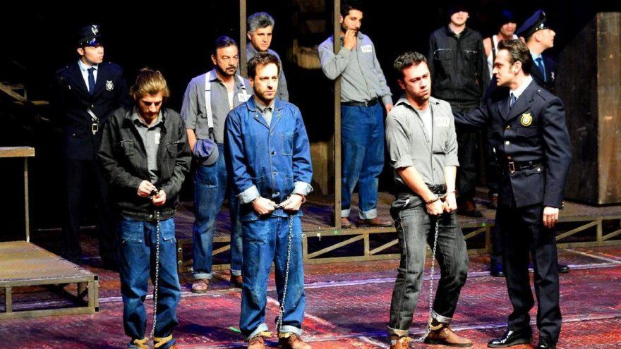Dünya Tiyatro Günü'nde perde Kerem Alışık ile açıldı