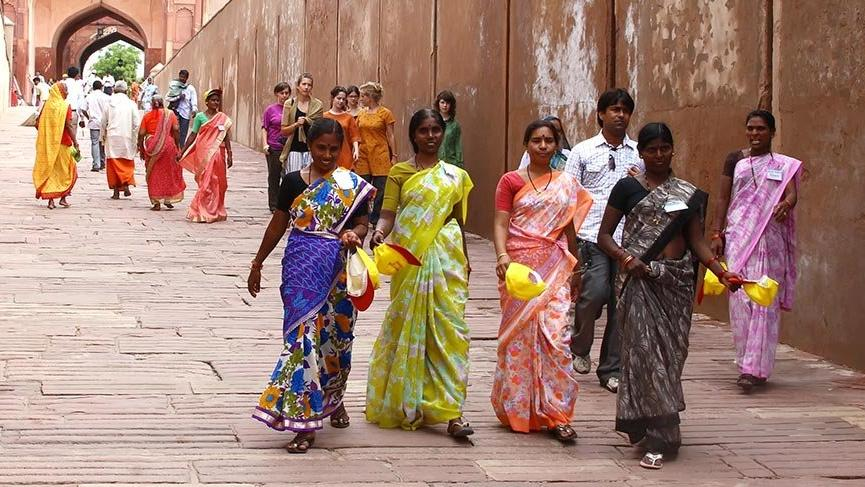 Ülkelerin kültürlerini yansıtan geleneksel kıyafetleri