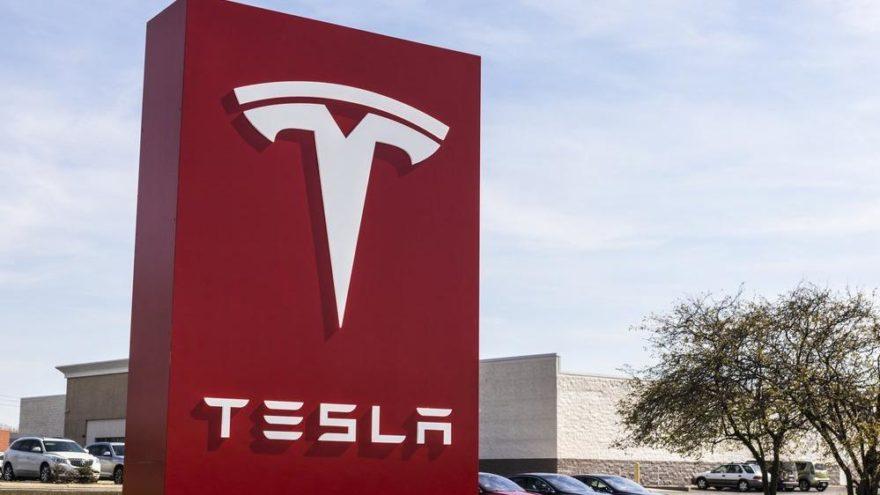 Tesla internet üzerinden satılacak!