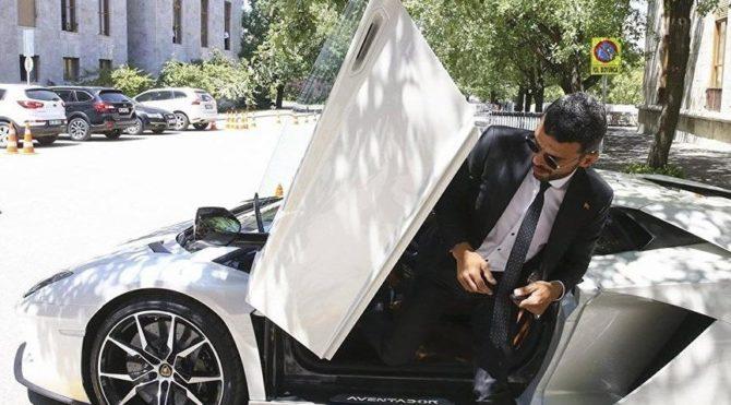 AKP'li Sofuoğlu, çalınan saati için Instagram'dan yardım istedi