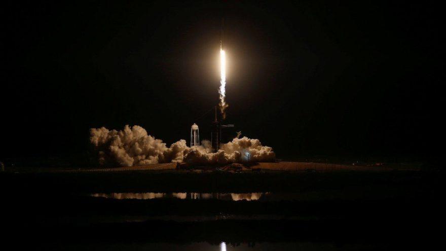 SpaceX'ten tarihi deneme… Görüntüler nefes kesti