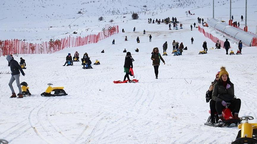 Sivas'ta kayak sezonu devam ediyor
