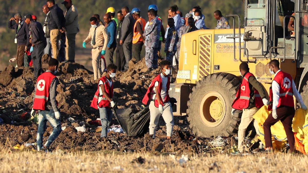 Korkunç uçak kazası sonrasında sıcak gelişme... Askıya aldılar!