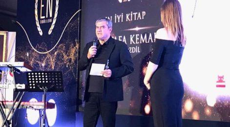 Galatasaray Üniversitesi'nden Yılmaz Özdil'e 2 ödül!
