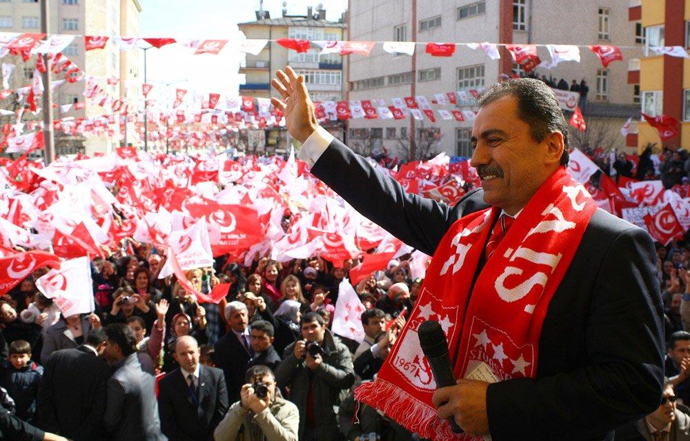 Muhsin Yazıcıoğlu ve arkadaşlarının yakınları 10 yıldır adalet peşinde - Son dakika haberleri