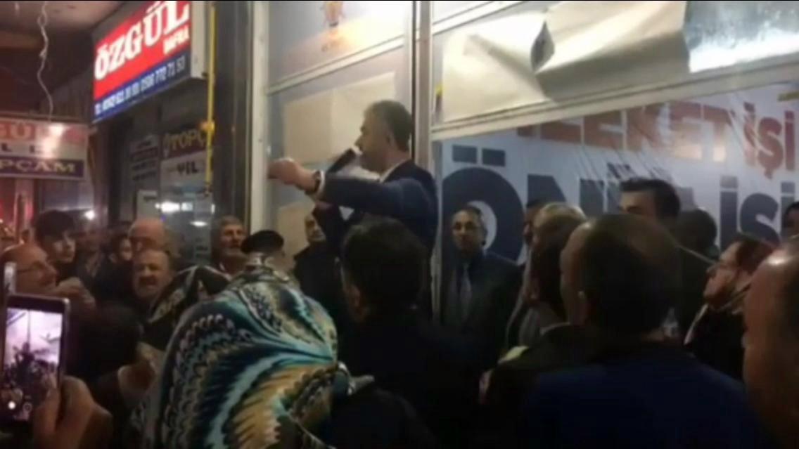 AKP'li başkan: Oy vermeyen hizmet alamayacak