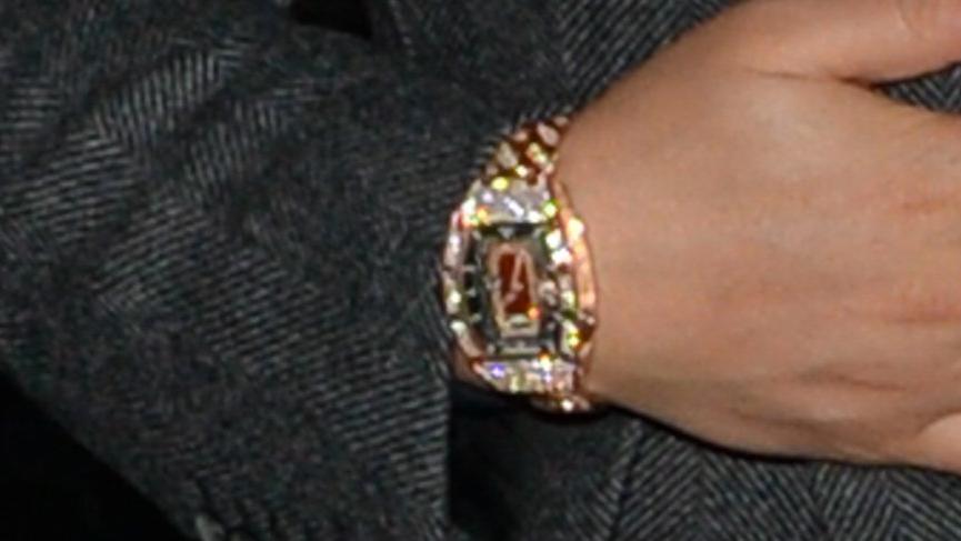 Drake 55 milyon dolarlık özel üretim saatiyle dikkat çekti