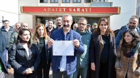 Tunceli Belediye Başkanı Fatih Maçoğlu'nun mazbatası diğerlerine benzemiyor!