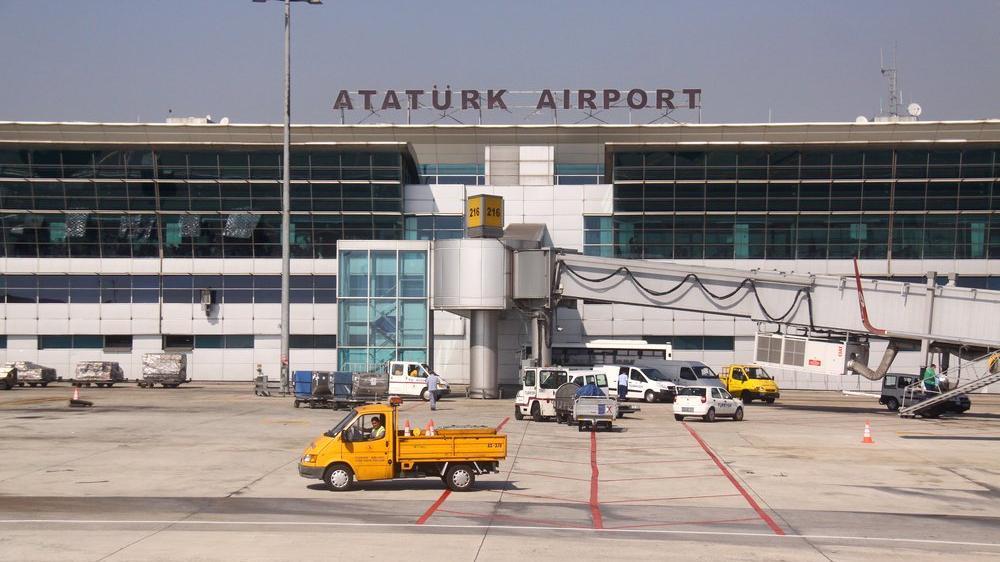 Yeşilköy Havaalanı'ndan Atatürk Havalimanı'na...