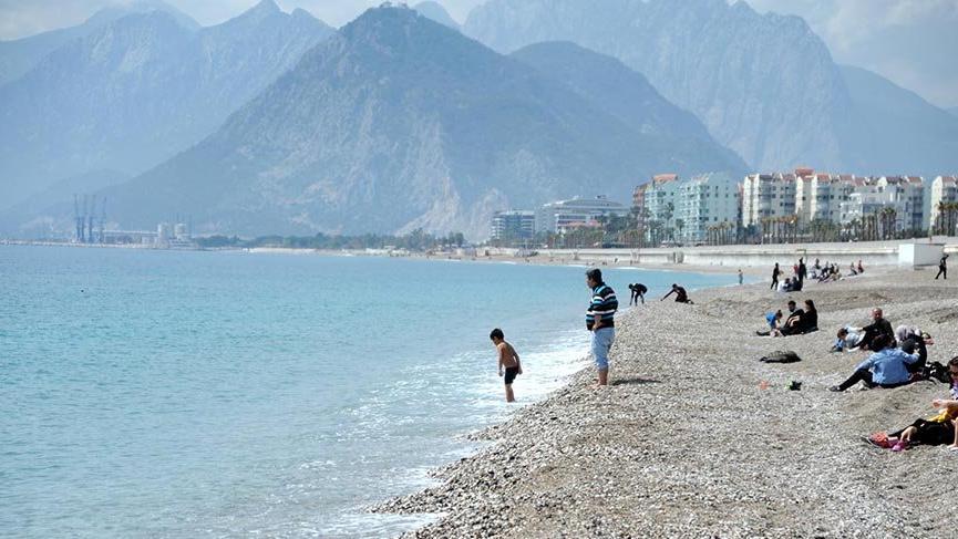 Antalya'da Nisan'da deniz keyfi
