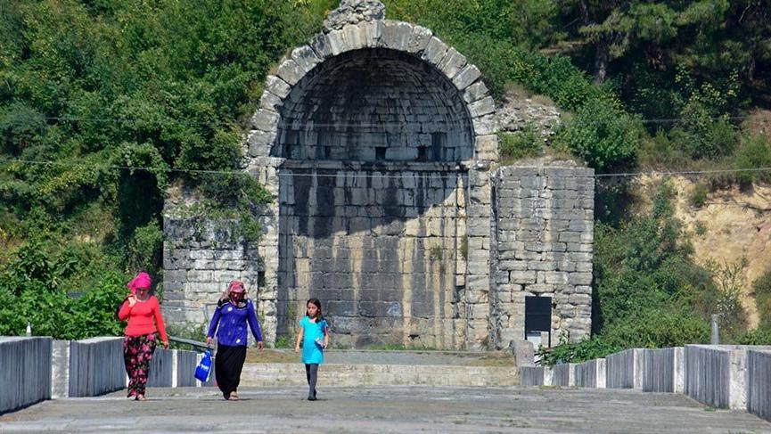 1500 yılı aşkın süredir ayakta kalan Justinianus Köprüsü