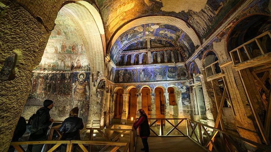 Kapadokya'nın en büyük kaya kilisesi: Tokalı Kilise