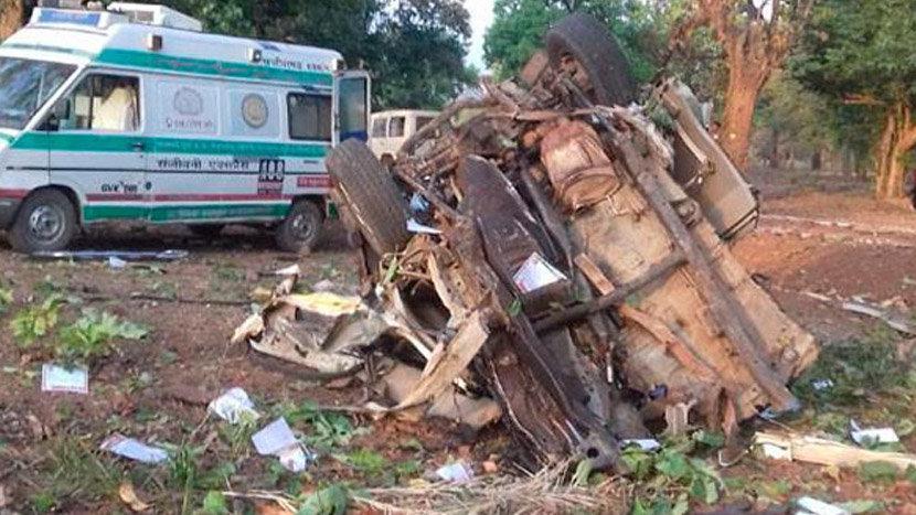 Ülke şokta! Siyasi parti konvoyuna bombalı saldırı